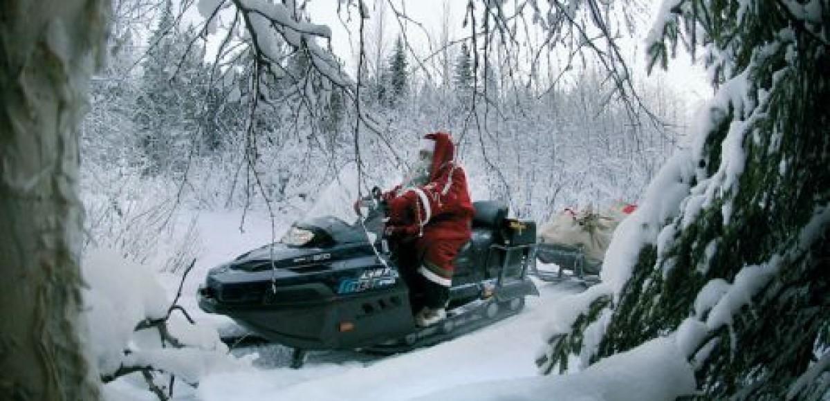 Дед Мороз угнал экскаватор, чтобы обменять его на рождественские подарки