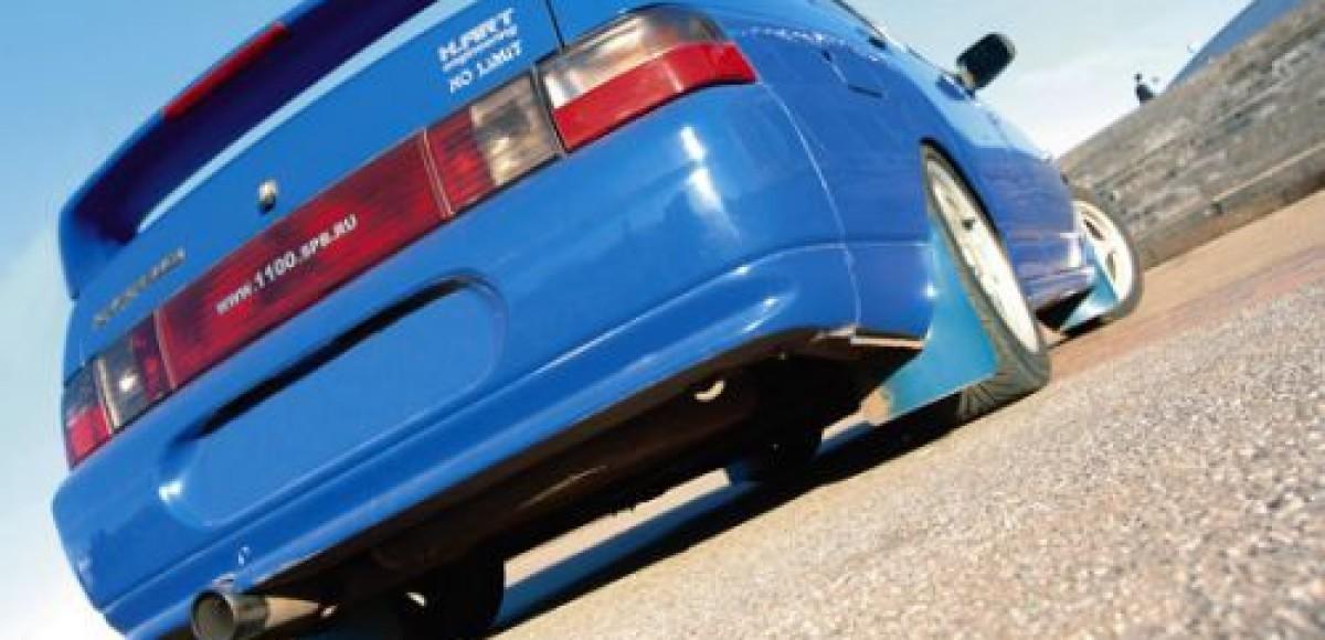 Автолюбитель из Омска проехал десять часов на своей машине задним ходом