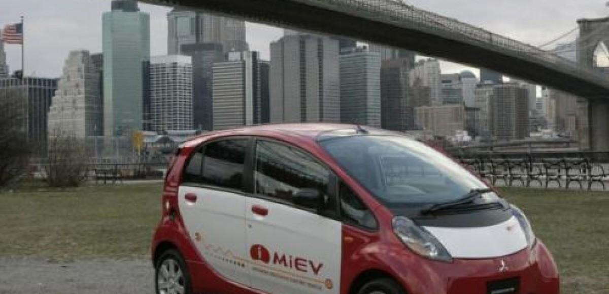 Mitsubishi i MiEV будут тестировать японские полицейские