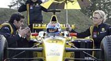 Премьер-министр В.Путин протестировал болид Формулы-1