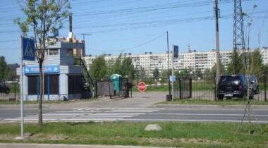 В Москве с охраняемой автостоянки угнаны 5 автомобилей