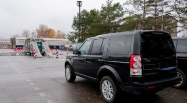 Land Rover представил на автодроме в Мячково автомобили 2010 года