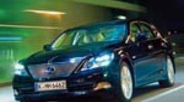Lexus LS 600h. Электрошок