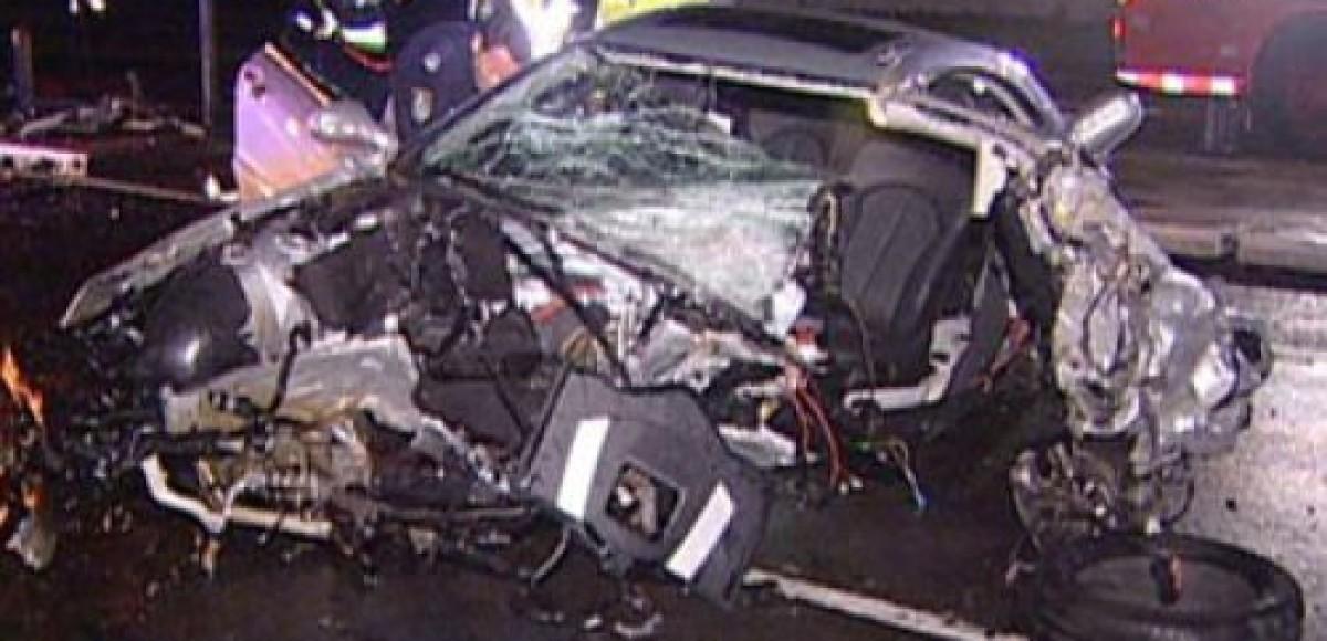 В Санкт-Петербурге на Московском шоссе автомобиль врезался в фуру