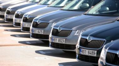 В апреле импорт легковых автомобилей в Россию упал на 22,8%