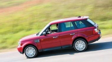 В Москве на улице Менжинского угнали Range Rover Sport