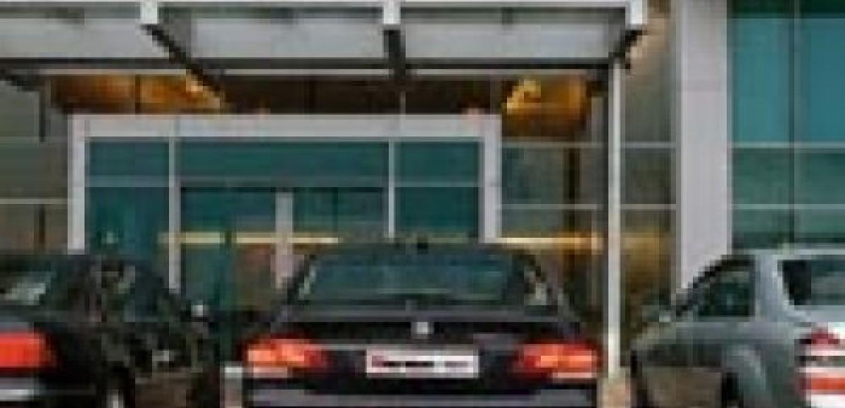 Выбираем представительский автомобиль за $100 тысяч
