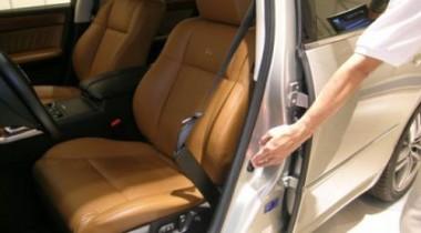 Nissan: ремнем безопасности не пристегнуться трудно