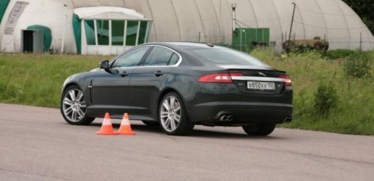Jaguar запускает программу водительского мастерства Jaguar Experience