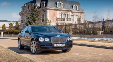 Bentley Flying Spur V8. Икона стиля