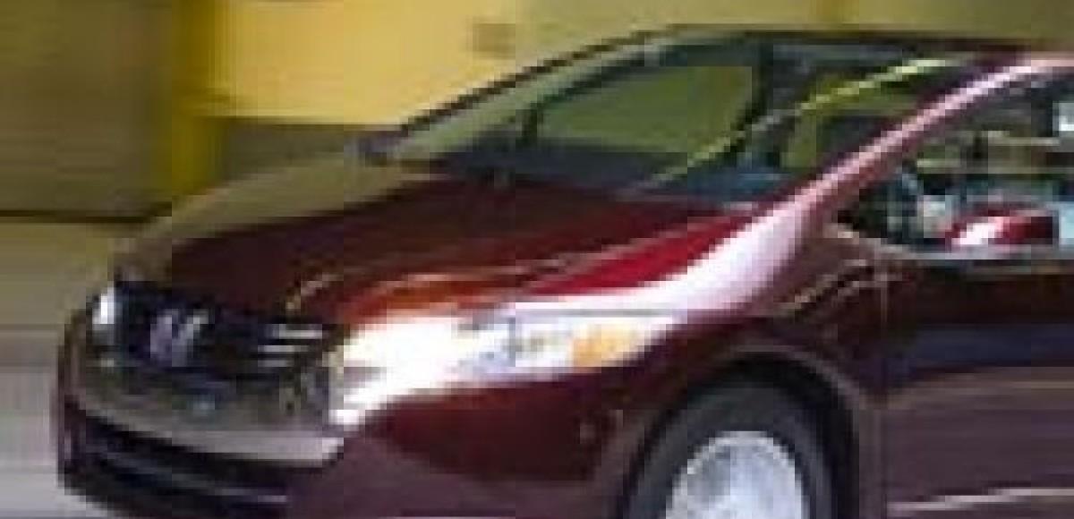 Honda FCX Clarity. Первый серийный автомобиль на топливных элементах
