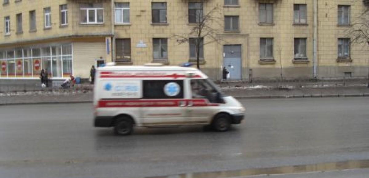 В Петербурге большегрузный автомобиль не пропустил «скорую»