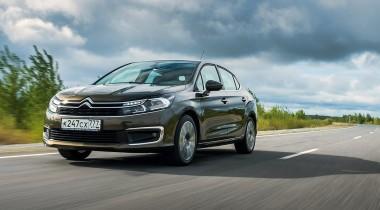 В России снижены цены на Peugeot 408 и Citroen С4 Sedan