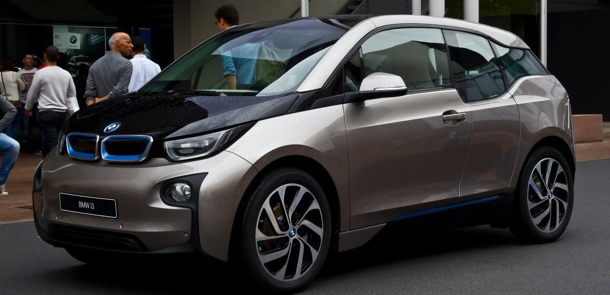 BMW везет в Россию i3