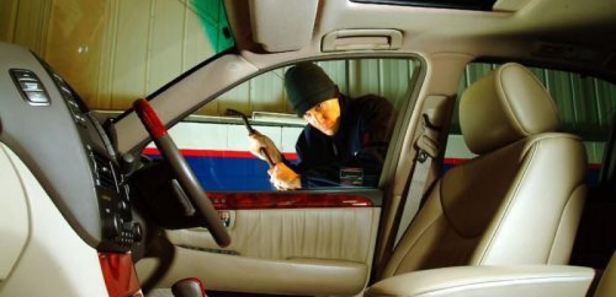 В Петербурге угнали «Лексус», который заводится по отпечатку пальца