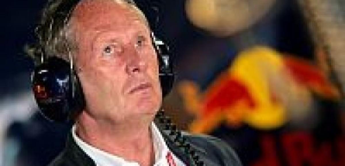 Хельмут Марко:  Red Bull в 2011 год с моторами Renault
