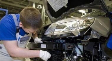 Российские автозаводы вновь набирают рабочих