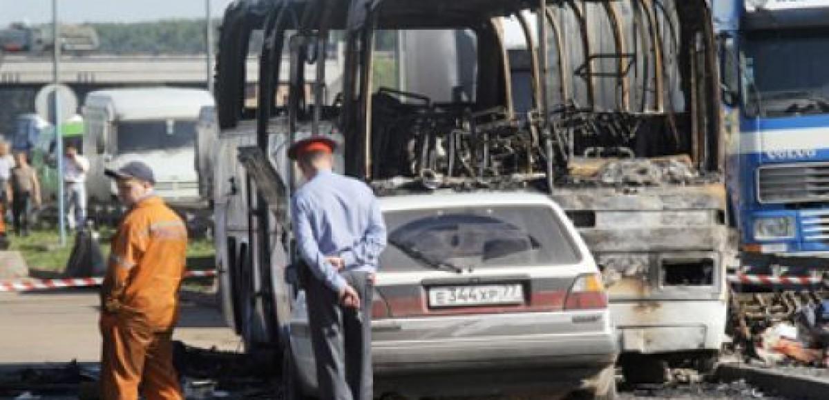 В Ростовской области в аварии сгорел пассажирский автобус «Вольво»
