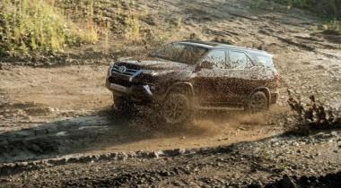 Toyota объявила цены внедорожника Fortuner для России