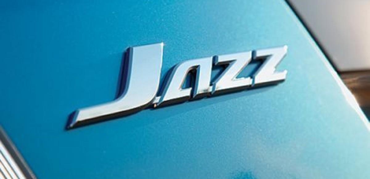 Honda начинает принимать заказы на обновленный Jazz
