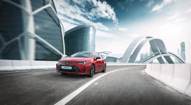 Обновленную Toyota Corolla привезли в Россию