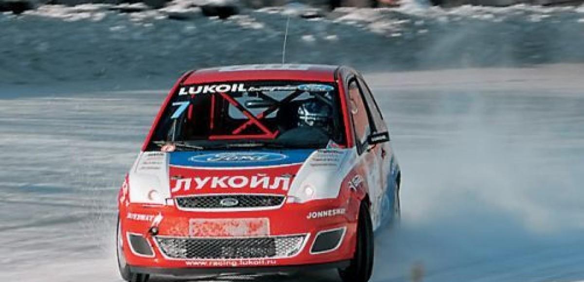 Lukoil Racing Team. На два фронта