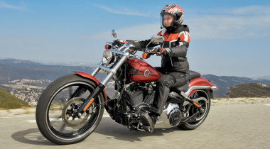 Harley-Davidson Softail Breakout. Главный — хвост
