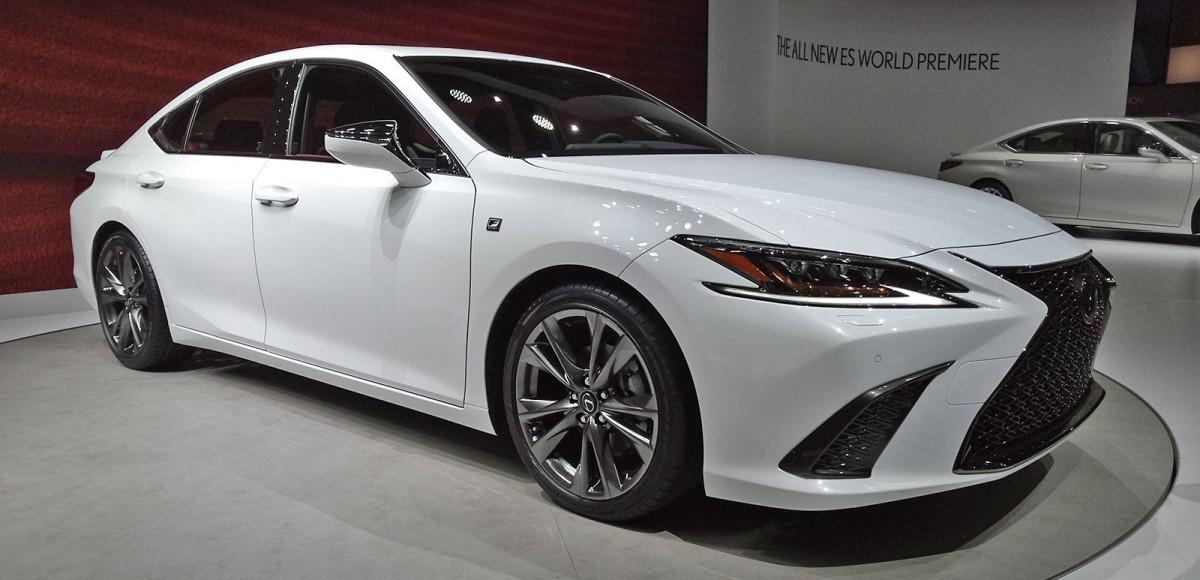 Lexus ES седьмого поколения представили в Пекине