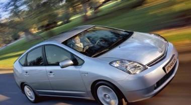 Toyota Prius «second hand» стоит дороже нового