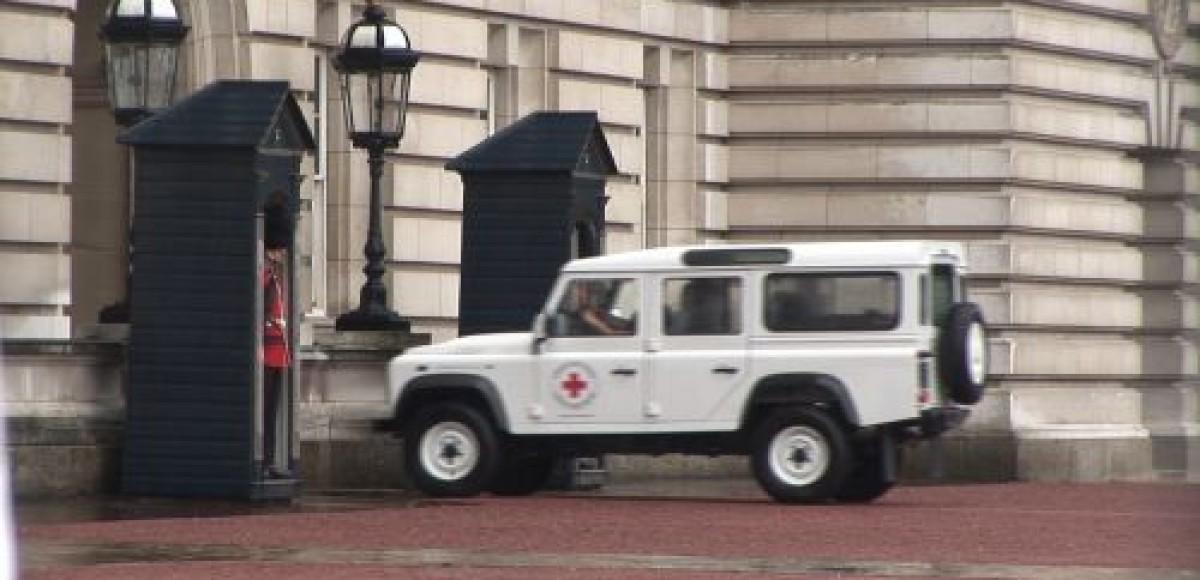 Land Rover передал 60 машин Красному Кресту