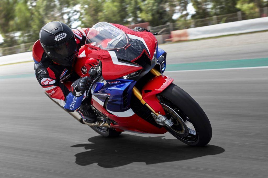 Honda представила в Милане новые спортбайки CBR1000RR-R Fireblade и CBR1000RR-R Fireblade SP