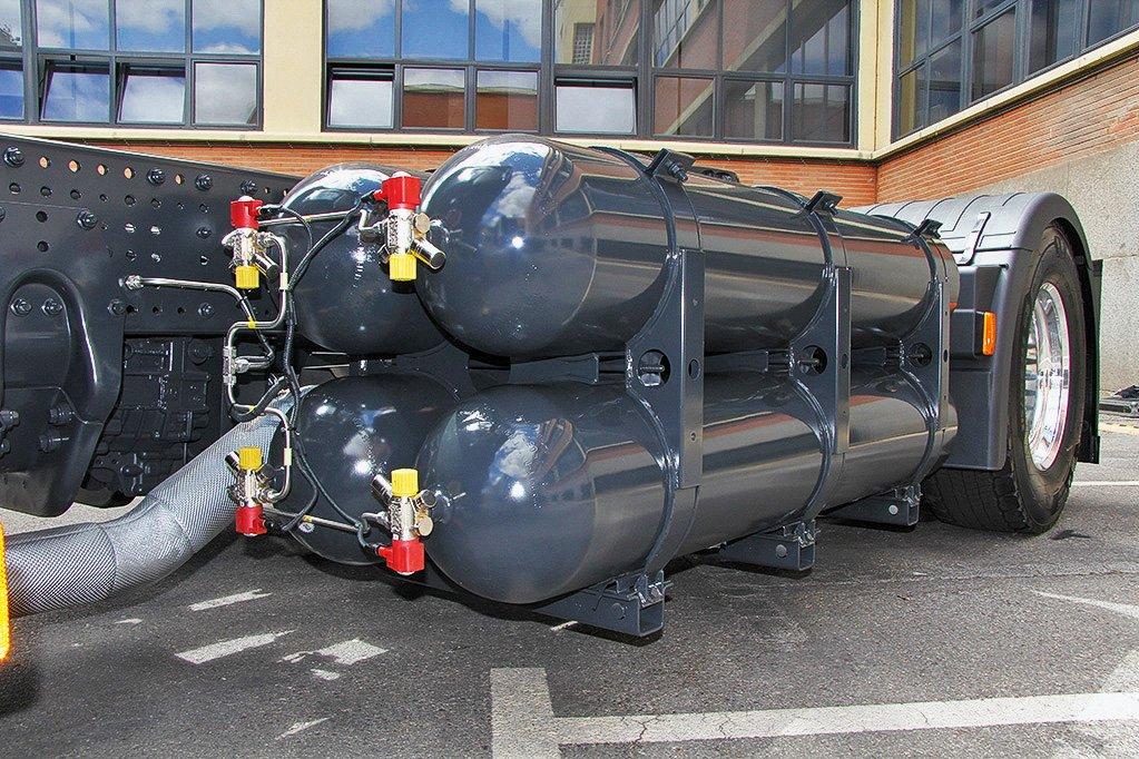 Тягач на метане: мечта дальнобойщика или головная боль?