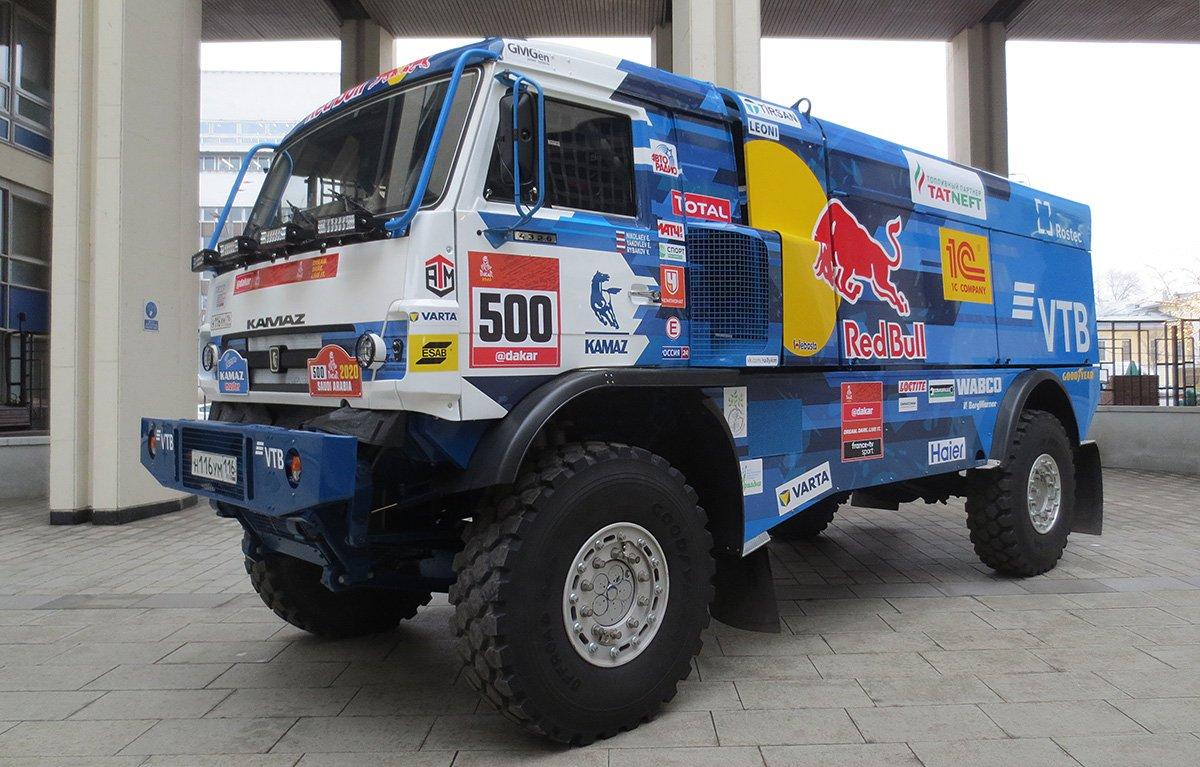 Дизельные грузовики вступят вборьбу сгибридным: команда «КАМАЗ-мастер» отправляется на ралли «Дакар-2020»