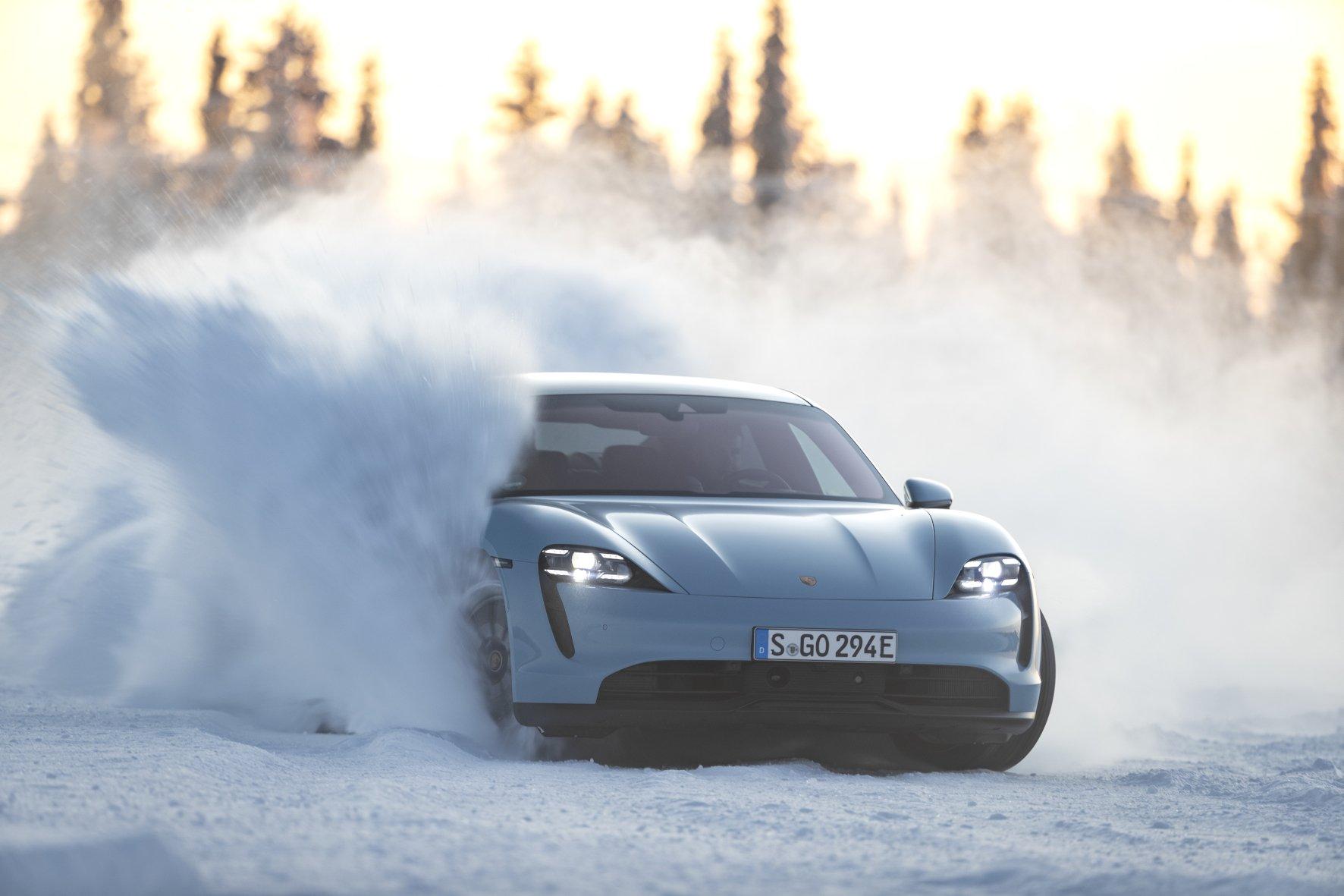 Зимний тест Porsche Taycan 4S: как выжить на  электромобиле за Полярным кругом