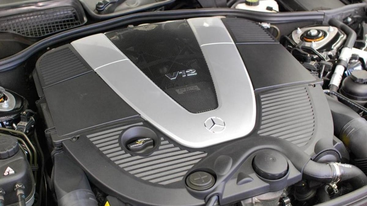 Назло Грете: Mercedes не собирается снимать с производства 12-цилиндровые двигатели