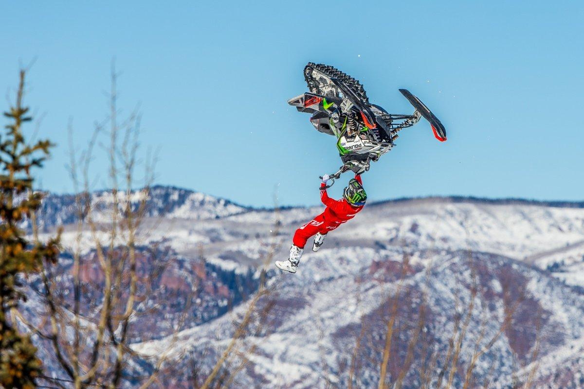 Storm Riders – кубок мира по снегоходному фристайлу в Москве уже 21.12!