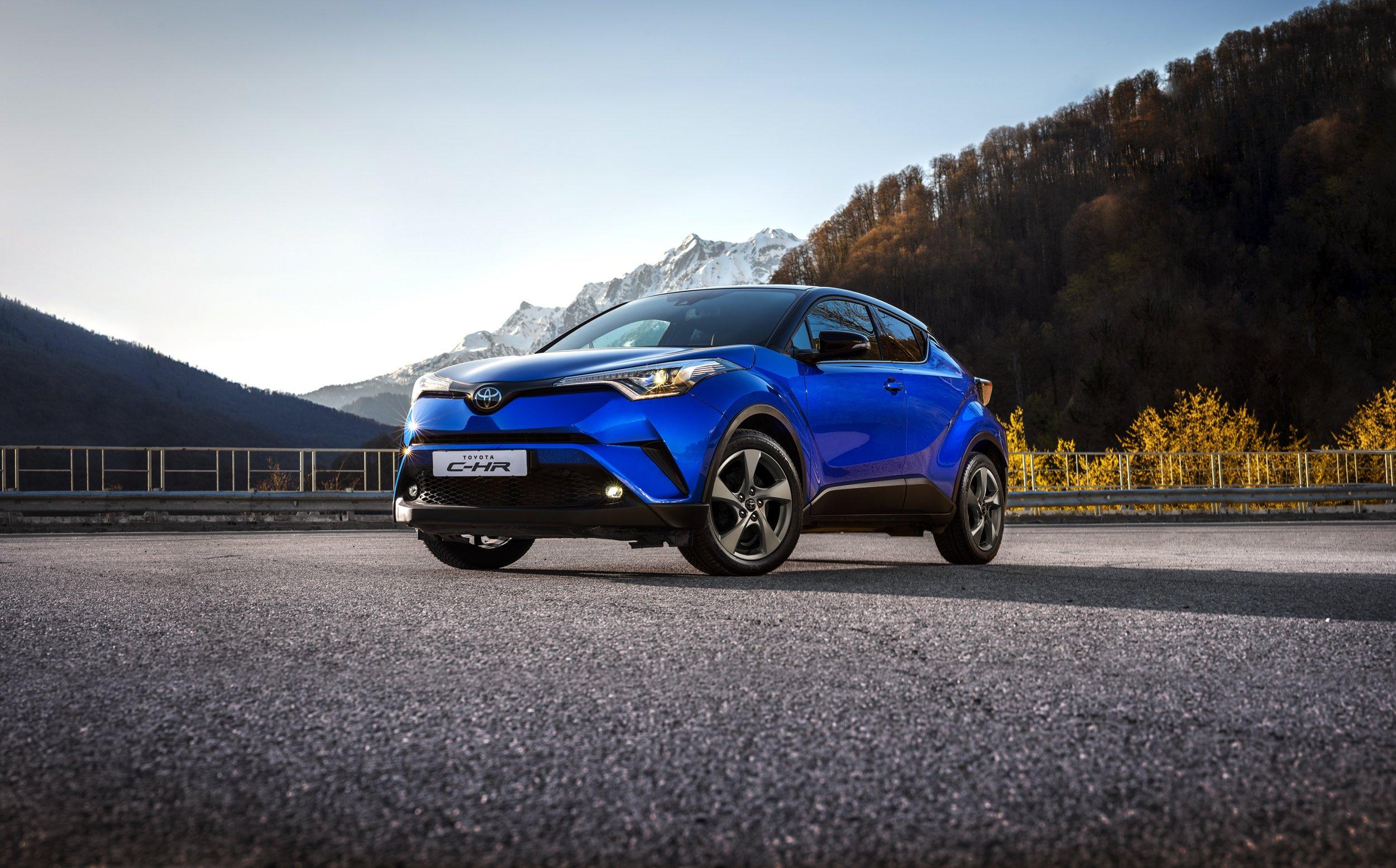 Ride, Hot, Cool: названы цены и комплектации самого маленького кроссовера Toyota для России