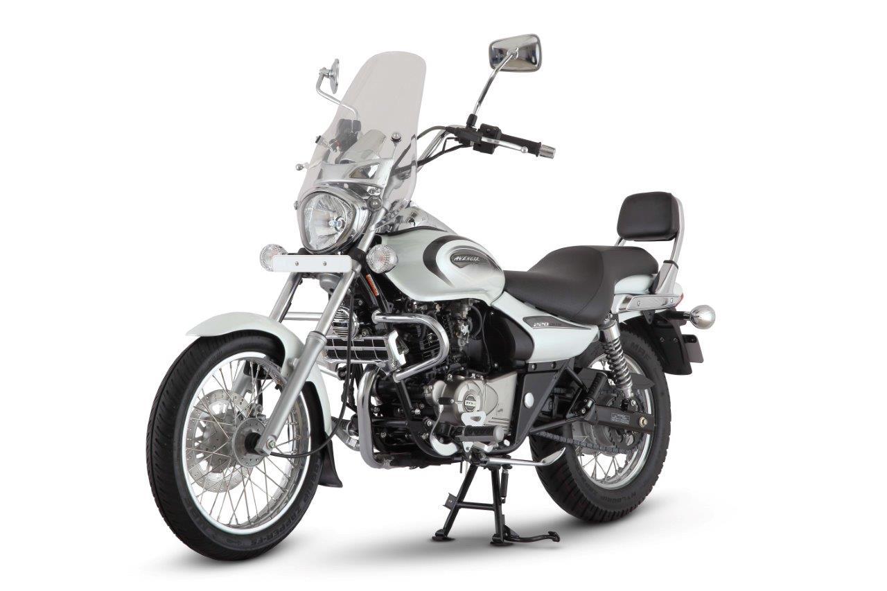 Новые мотоциклы Bajaj Avenger 220 Street и Cruise представлены в Москве