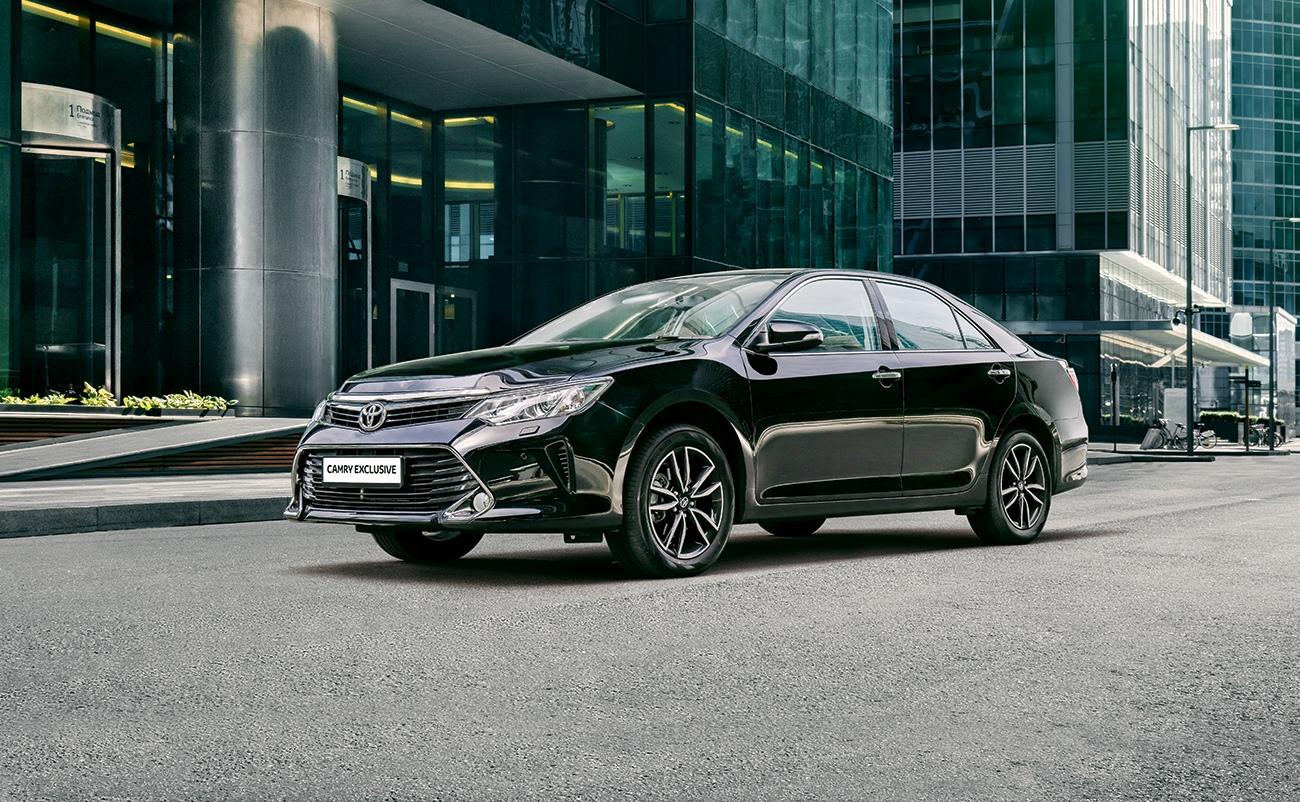 Toyota представила Camry Exclusive