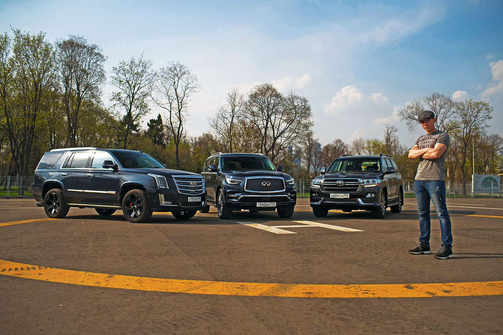 Toyota Land Cruiser 200 против Cadillac Escalade и Infiniti QX80. Выбираем комфортный рамный внедорожник