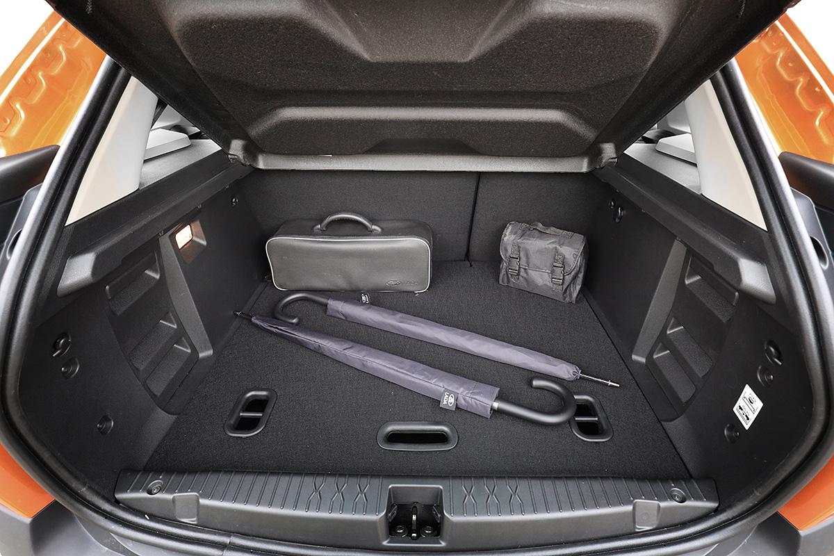 багажник Lada Xray Cross