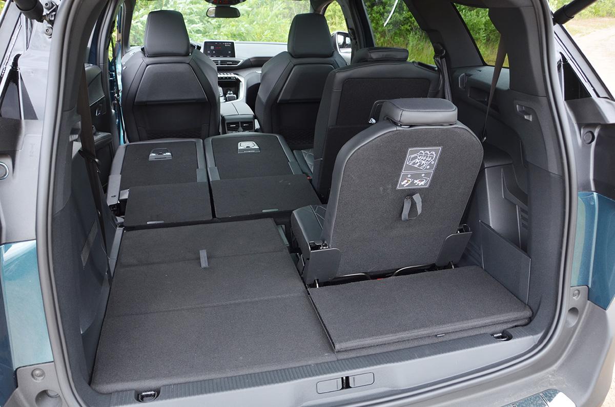 Митсубиси аутлендер фото салона и багажника