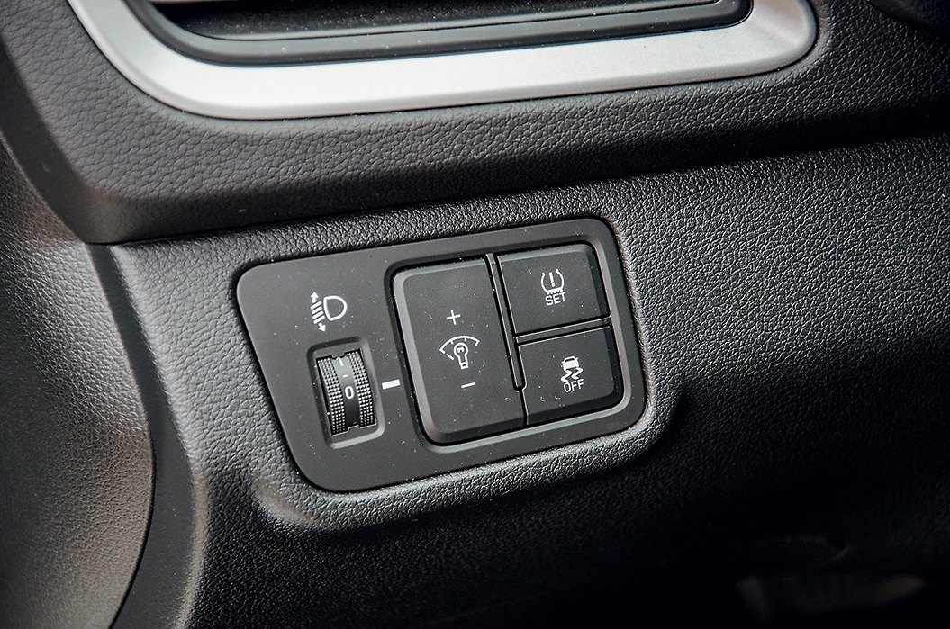 Hyundai Solaris против Lada Vesta. Дешевле или хуже?
