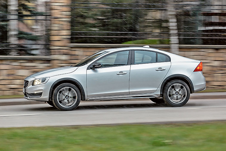 Volvo S60 Cross Country фото 2016