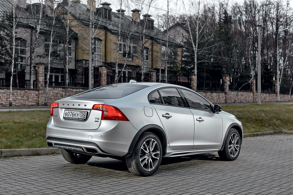экстерьер Volvo S60 Cross Country 2016