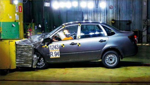 Lada Granta успешно выдержала первый краш-тест