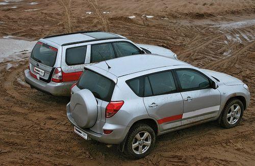 Toyota RAV4 vs Subaru Forester. Одинаковы с лица
