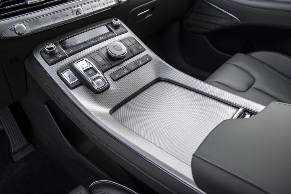 Первый тест Hyundai Palisade. Конкуренты, подвиньтесь!