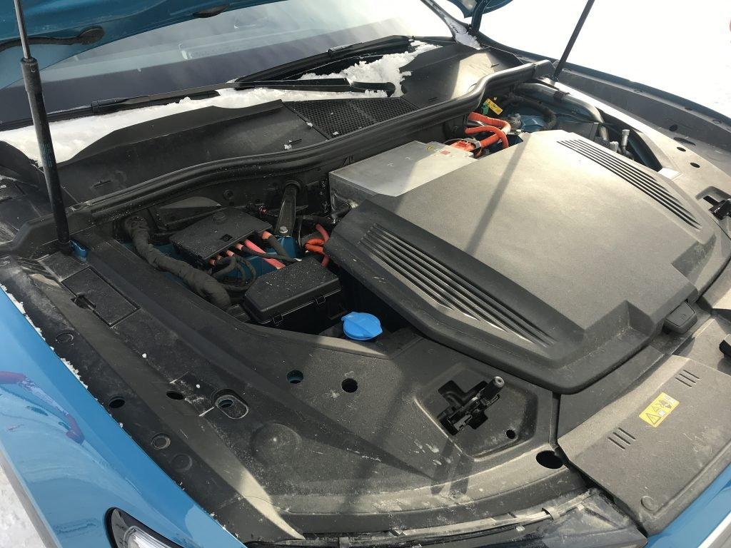 На Audi e-tron в Сибири. Чем удивил первый электрический кроссовер Ауди