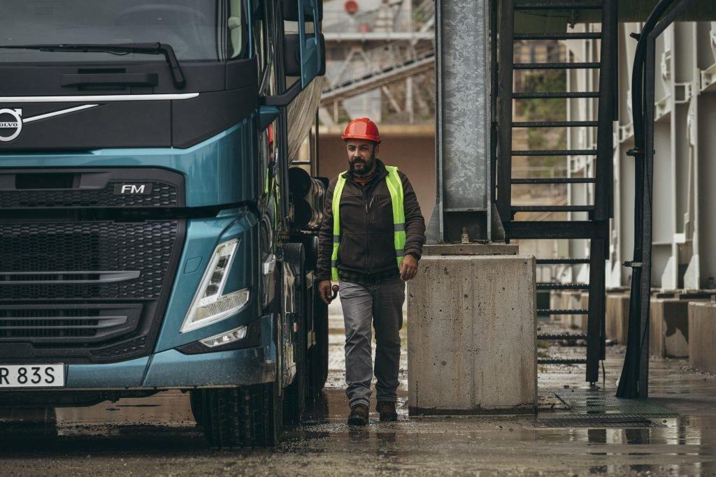 Безопасность, производительность, комфорт: Volvo Trucks представляет новое поколение грузовиков